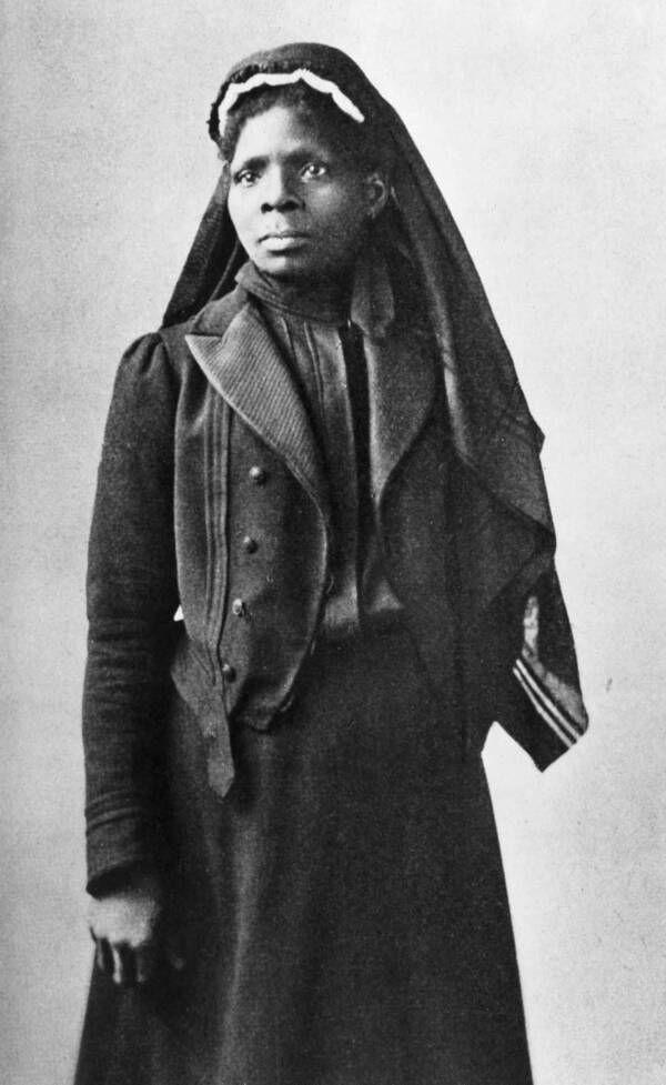 Conozca a Susie King Taylor, la primera enfermera del ejército afroamericana que ilumina la luna como maestra para los soldados negros de la Unión